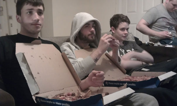 14095585521969 diy pizza box 13 Your Pizza Box isnt Just meant to serve you Pizza! Heres Why..
