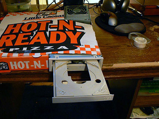 14095585704231 diy pizza box 20 1 Your Pizza Box isnt Just meant to serve you Pizza! Heres Why..