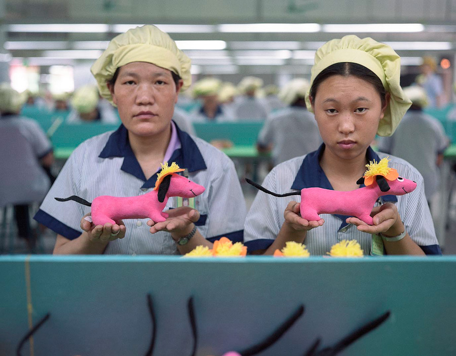 14095617282491 chinese factory workers toys 03 A pack of headless bodies? These images do a great job of stirring the ignorant souls
