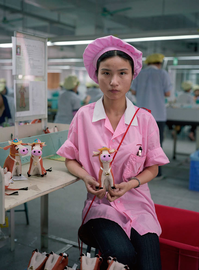 14095617284753 chinese factory workers toys 04 A pack of headless bodies? These images do a great job of stirring the ignorant souls